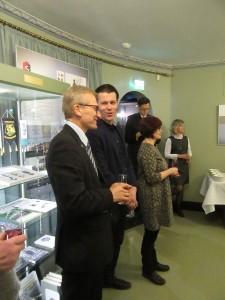 Näyttelyssä käsitellään suojeluskuntien elämänkaari Suomen itsenäistymisen varhaisvuosista alkaen niiden lakkauttamiseen saakka v. 1944.